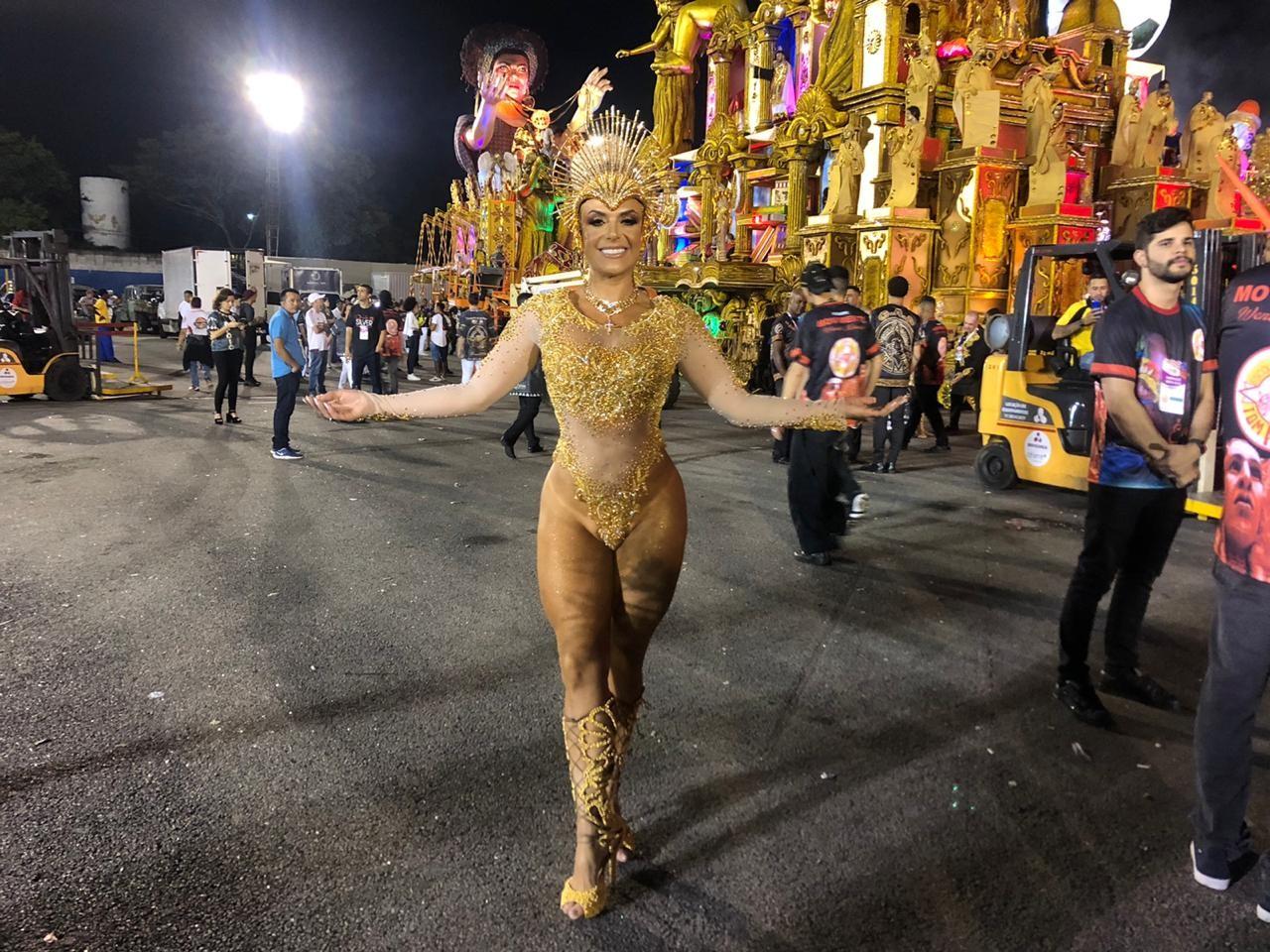 'Coração a mil, ansiosa para mais um carnaval', afirma a musa da Tom Maior Francine Carvalho