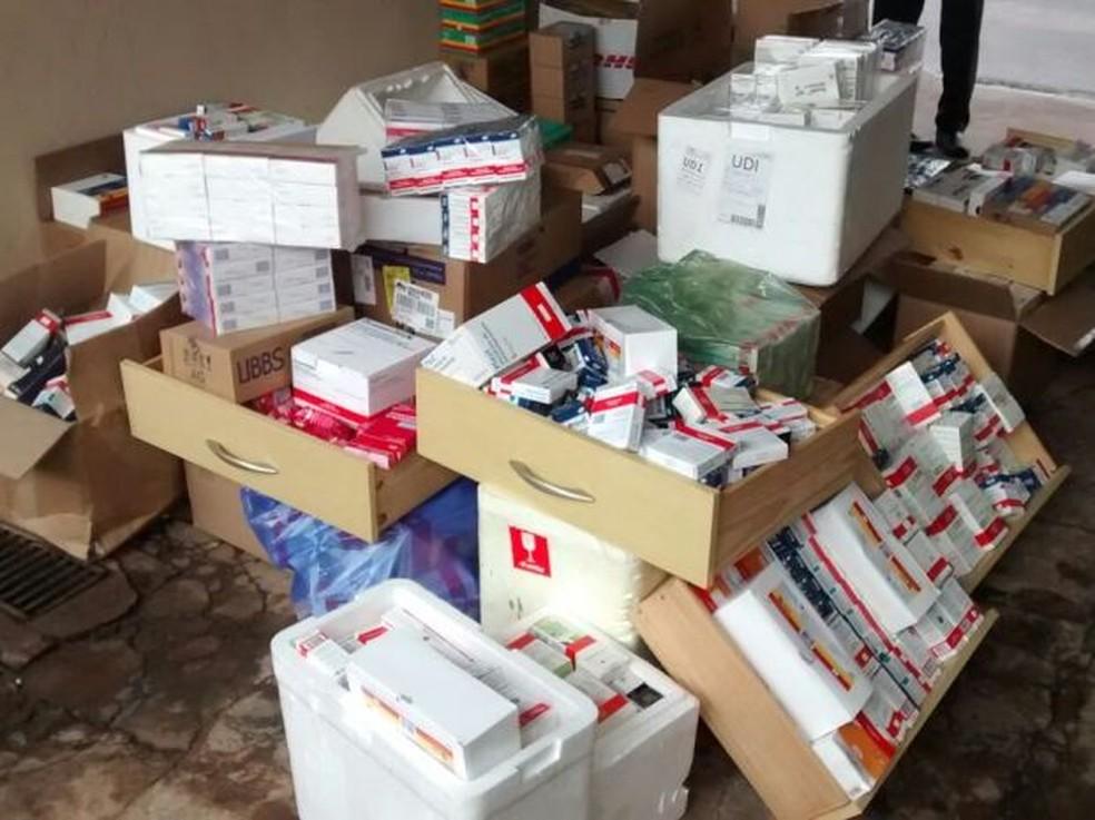 Comércio irregular de medicamentos de alto custo é combatido em operação do Gaeco (Foto: Evandro Cini/TV TEM)