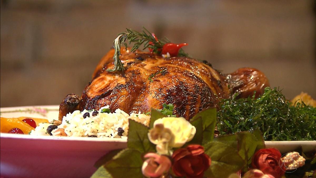 Chef JPB ensina receita de ave natalina recheada