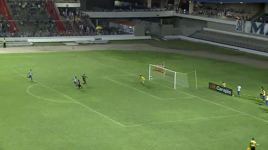 Alecsandro e mais 15: CSA investe em jogadores experientes para tentar reagir no Brasileirão