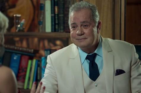 Luiz Fernando Guimarães é Amadeu em 'O tempo não para' (Foto: Reprodução)
