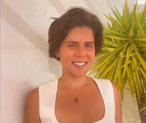 Flavia Mello, invetidora anjo