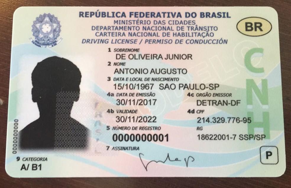 CNH vai mudar novamente e virar um cartão com chip até 2019 (Foto: Divulgação/Denatran)