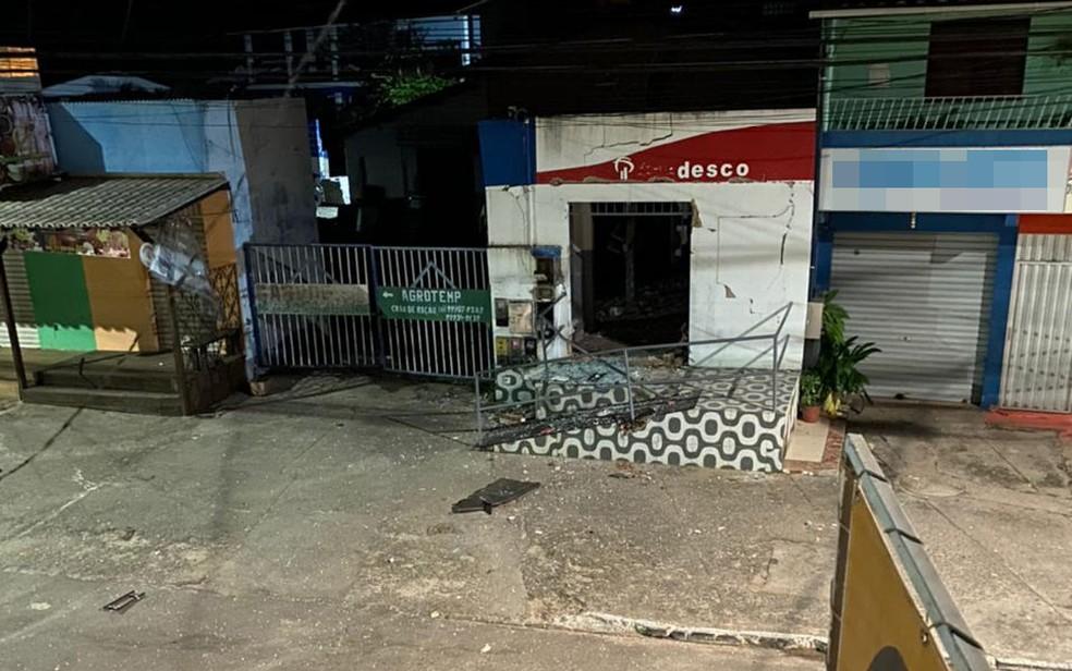 Posto bancário do Bradesco é atacado por homens armados em Barra de Pojuca, na cidade de Camaçari — Foto: Reprodução/Redes sociais