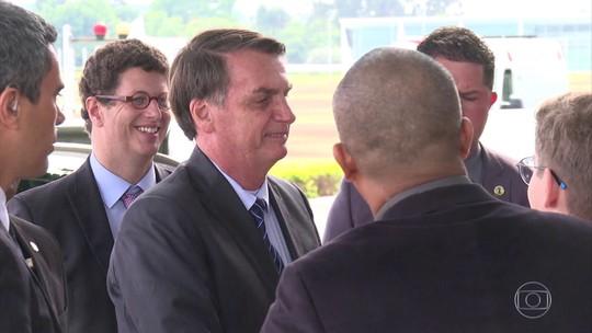 Bolsonaro recebe deputados do PSL após criticar presidente do partido