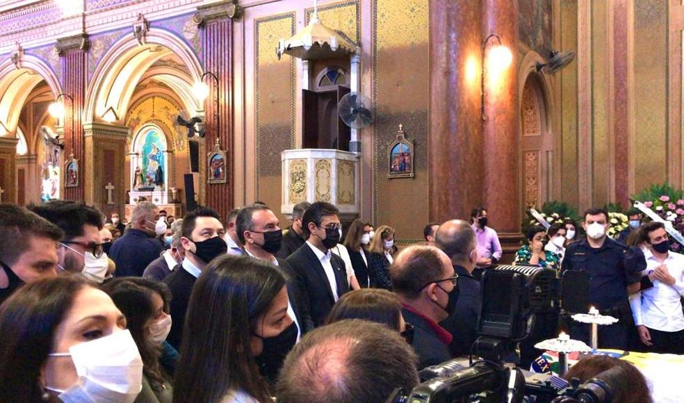 Vice-governador de SP e secretários acompanham velório da prefeita de Tatuí — Foto: Aline Galdino/TV TEM