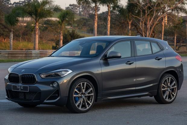 BMW X2 M35i tem o primeiro motor 4 cilindros a equipar um modelo M  (Foto: Denis Ribeiro/Divulgação)