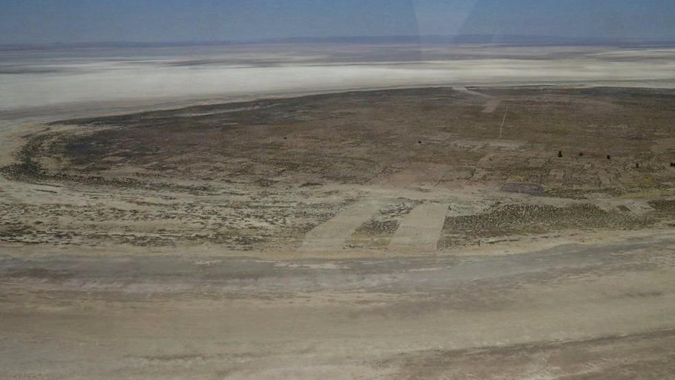 A ilha de Panza já não está mais cercada de água - ela é apenas um amontoado de terra (Foto: BBC)