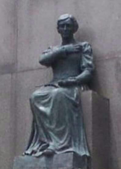 Estátua de 400 kg é roubada de monumento em homenagem ao Marechal Deodoro na Glória