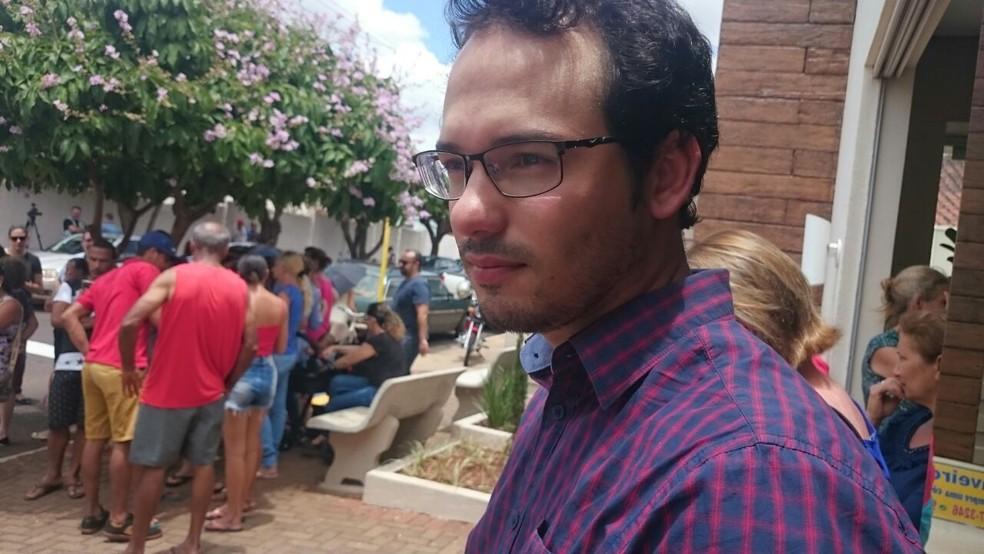 Marcos Antônio, namorado de Kelly Cadamuro, disse que tinham comprado os primeiros itens para a casa (Foto: Heloísa Casonato/G1)