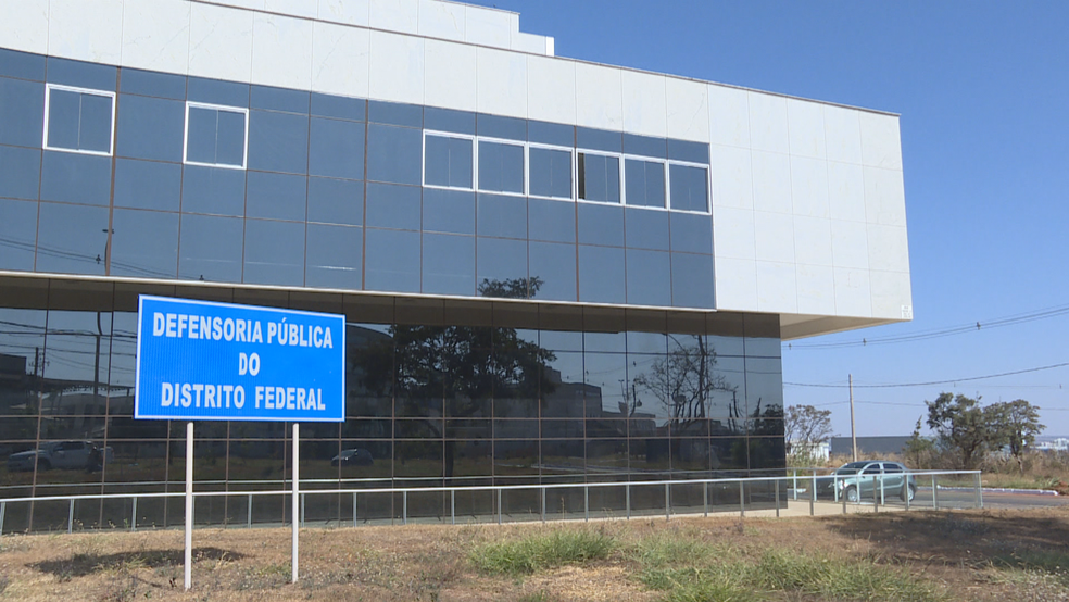 Sede da Defensoria Pública do Distrito Federal (Foto: TV Globo/Reprodução)