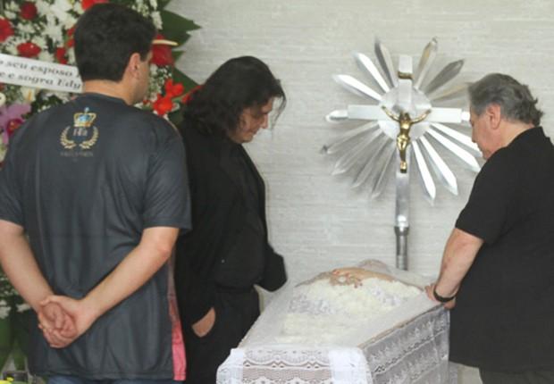 Corpo de Angela Maria é velado em SP (Foto: Francisco Cepeda/AgNews)