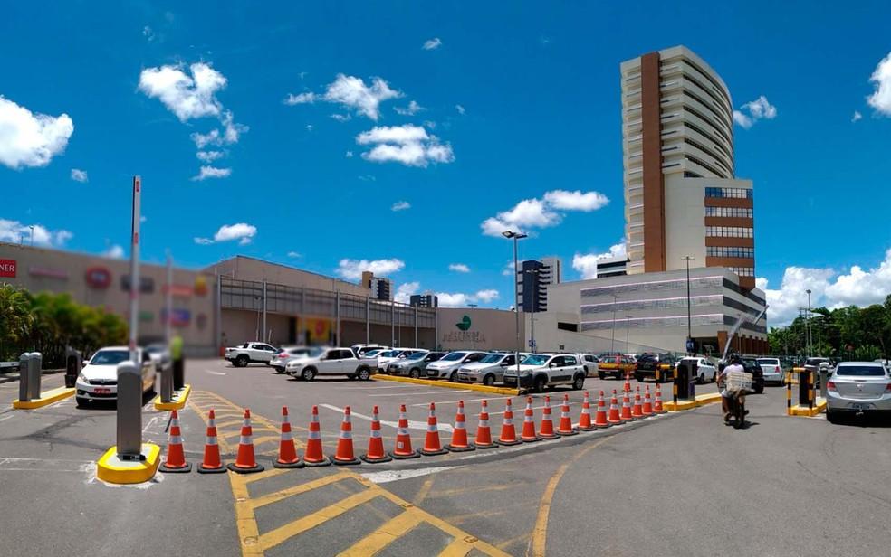 Para coibir estacionamento irregular, shopping em Itabuna começa a ...