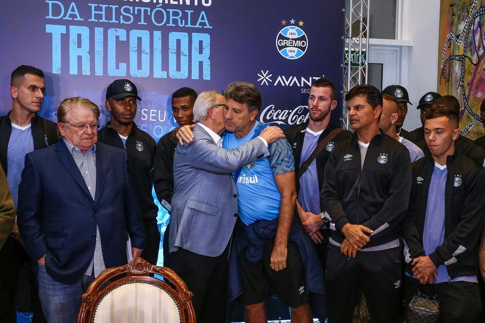 Renato foi ao lançamento do livro (Foto: Lucas Uebel/Divulgação Grêmio)