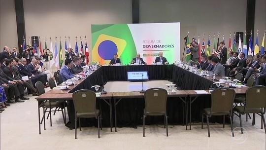 Ao lado de governadores eleitos, Bolsonaro fala em aprovar medidas 'um pouco amargas'