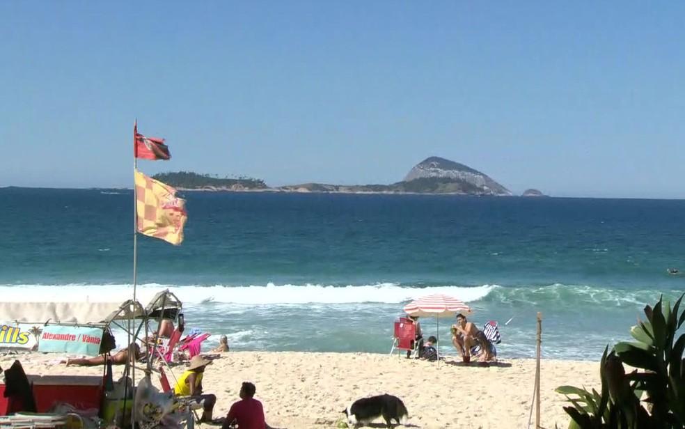 Céu fica ensolarado neste domingo (19) no Rio (Foto: Reprodução / GloboNews)