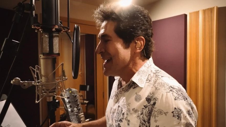 Daniel lança single com regravação de música de Tivas Miguel