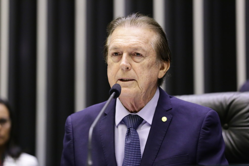O deputado Luciano Bivar (PE), presidente do PSL, durante sessão na Câmara dos Deputados — Foto: Michel Jesus/ Câmara dos Deputados
