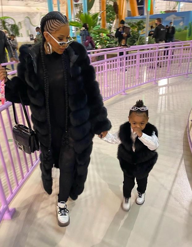 Cardi B e a filha, Kulture  (Foto: Reprodução/Instagram)
