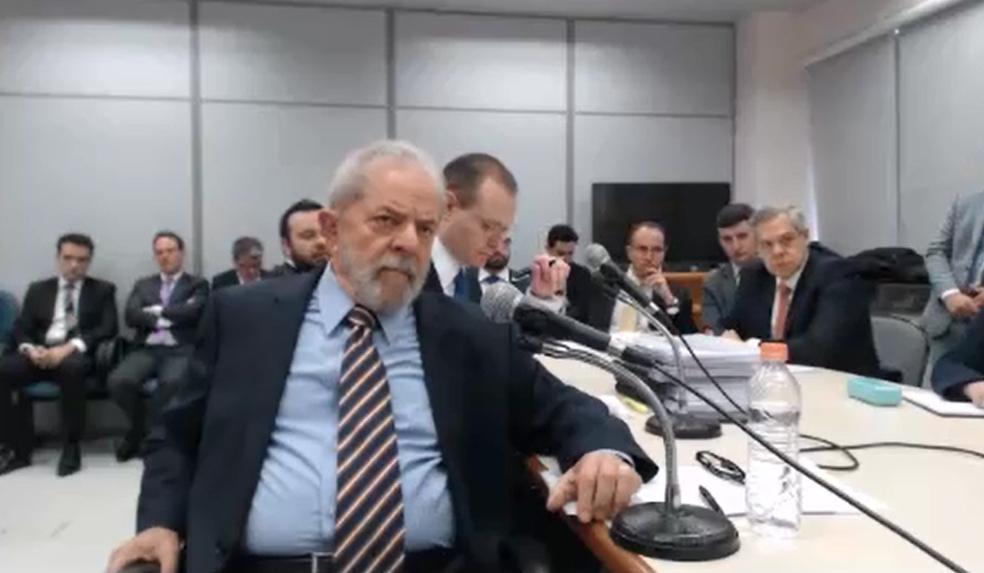 Lula no depoimento desta quarta-feira (13) (Foto: Reprodução/Justiça Federal)