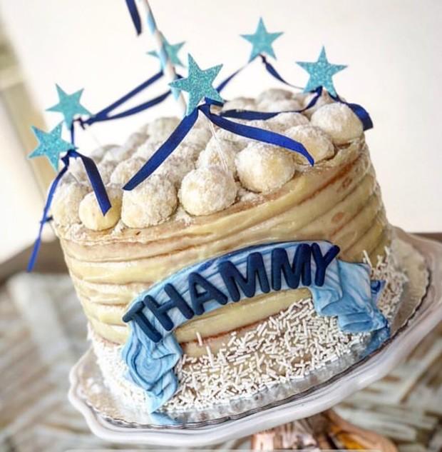Bolo de aniversário de Thammy Miranda (Foto: Reprodução/Instagram)