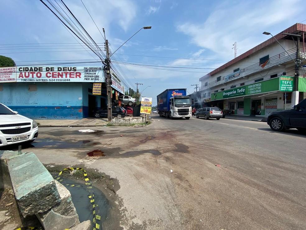 Acidente aconteceu no bairro Cidade de Deus, em Manaus — Foto: Carolina Diniz/G1 AM