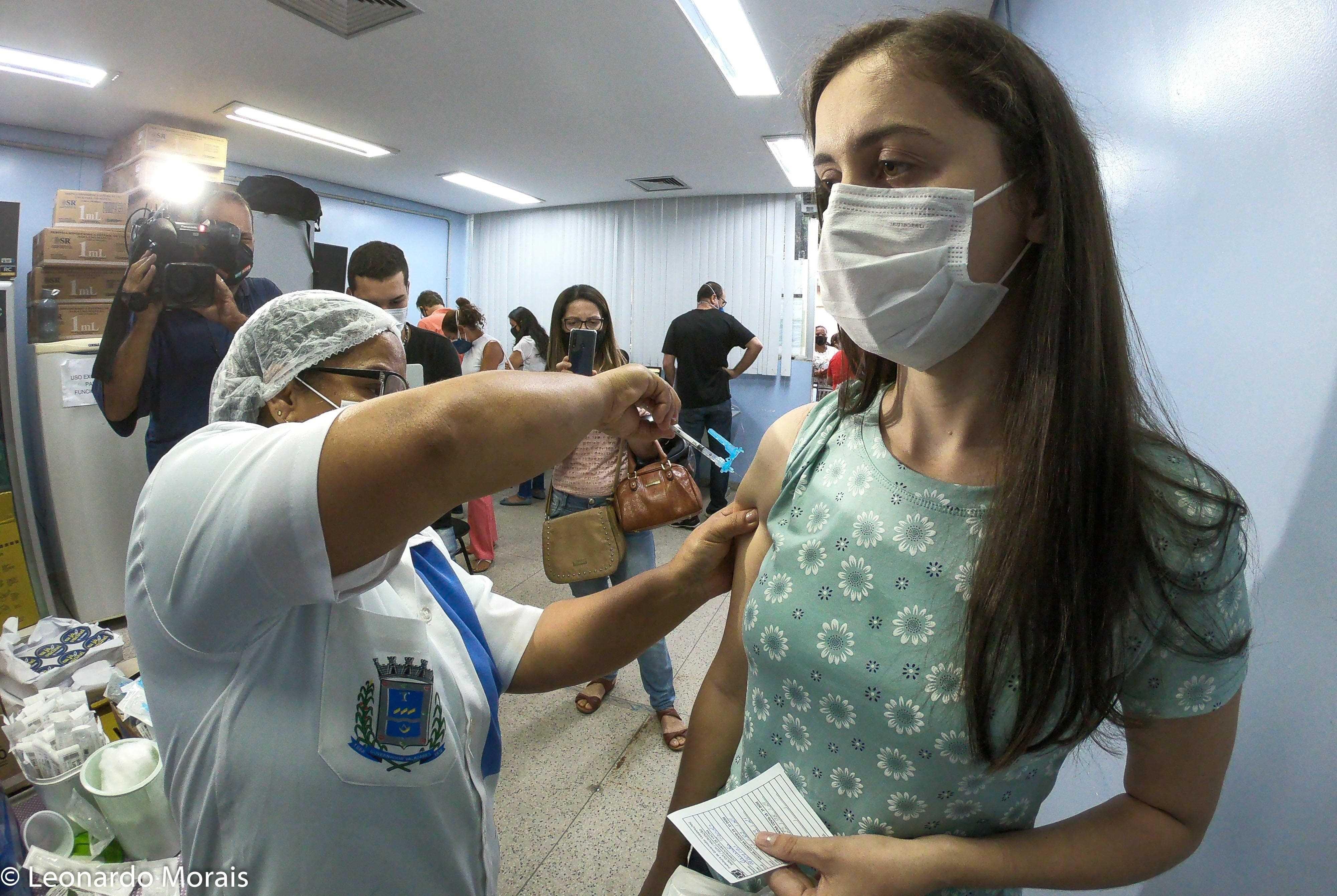 Prefeitura de Governador Valadares divulga programação de imunização contra a Covid-19 para esta terça, 22