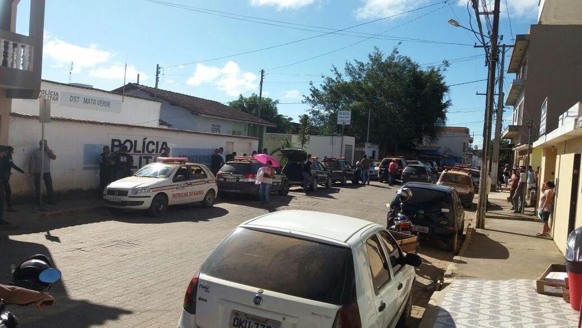 Nove pessoas são presas em Almenara durante a operação Cangaço