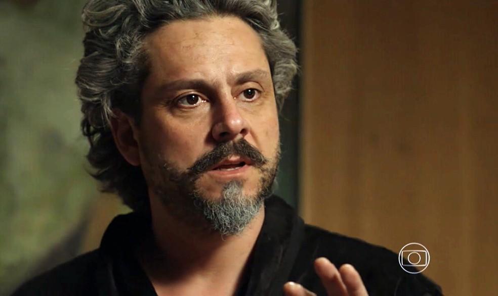 José Alfredo (Alexandre Nero) fica chocado com mudança de aparência de Cora (Marjorie Estiano) - 'Império' — Foto: Globo