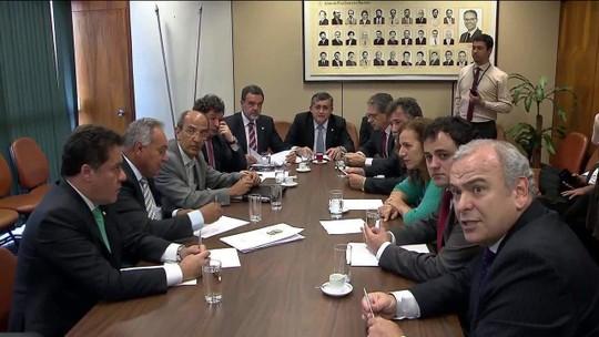 Deputados querem incluir na reforma política permissão a 'doações ocultas'