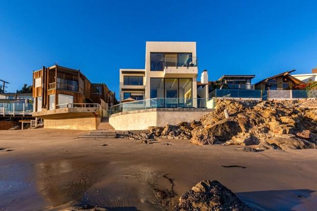 Pink quer lucrar R$ 7 milhões vendendo mansão que comprou há três meses (Foto: Divulgação)
