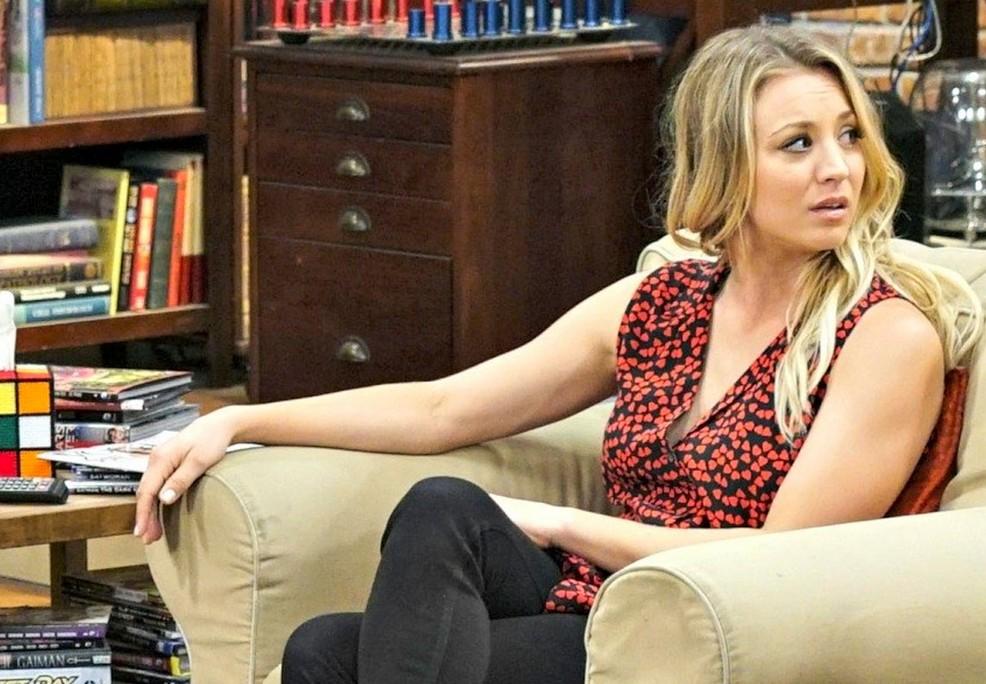 A atriz Kaley Cuoco em cena da série The Big Bang Theory (Foto: Reprodução)
