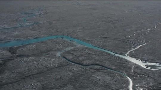 Repórter volta a geleira da Groenlândia após 15 anos e se impressiona com mudança
