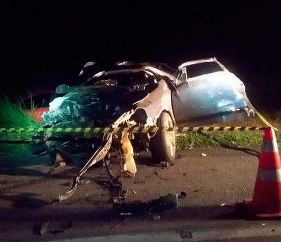 Adolescentes morrem após acidente na BR-116, em Vitória da Conquista (Foto: Divulgação/PRF)