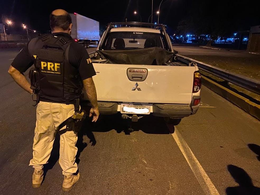 Caminhonete clonada tinha sido furtada há três meses, no Rio — Foto: Divulgação/PRF