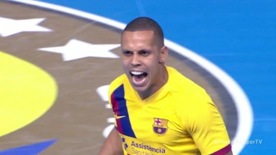 Gol do Barcelona! Ferrão aproveita rebote de Thiago e completa para empatar