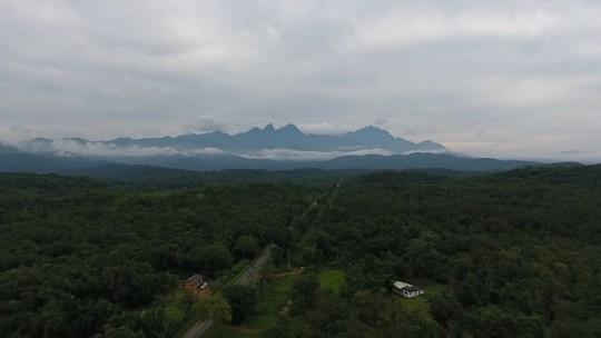 Vale do Gigante, em Antonina, cresce e se destaca pelo potencial esportivo e aventuras