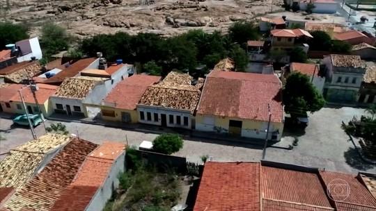 Vilarejo em cânion na Bahia está há 65 anos sem ocorrência policial; cadeia virou ruína