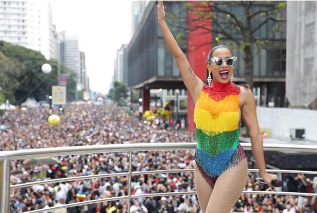 Anitta se apresenta na Prada LGBT (Foto: Felipe Panfili/Divulgação)