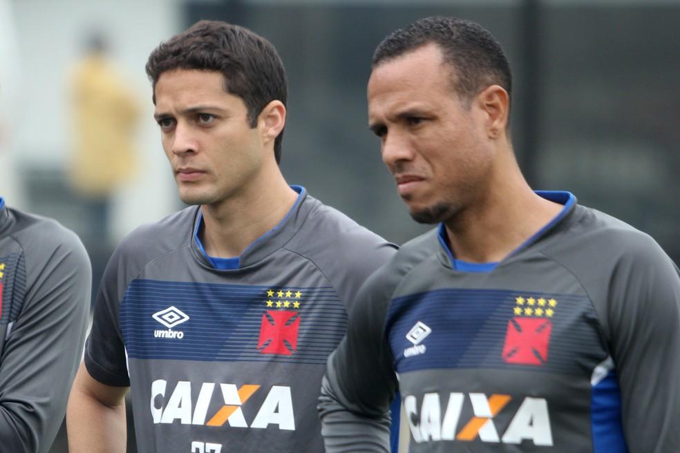 Anderson Martins e Luis Fabiano, Vasco (Foto: Paulo Fernandes/Vasco)
