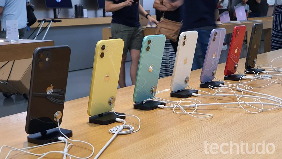 iPhone 11 promete bateria para 17 horas de vídeo — Foto: Thássius Veloso/TechTudo