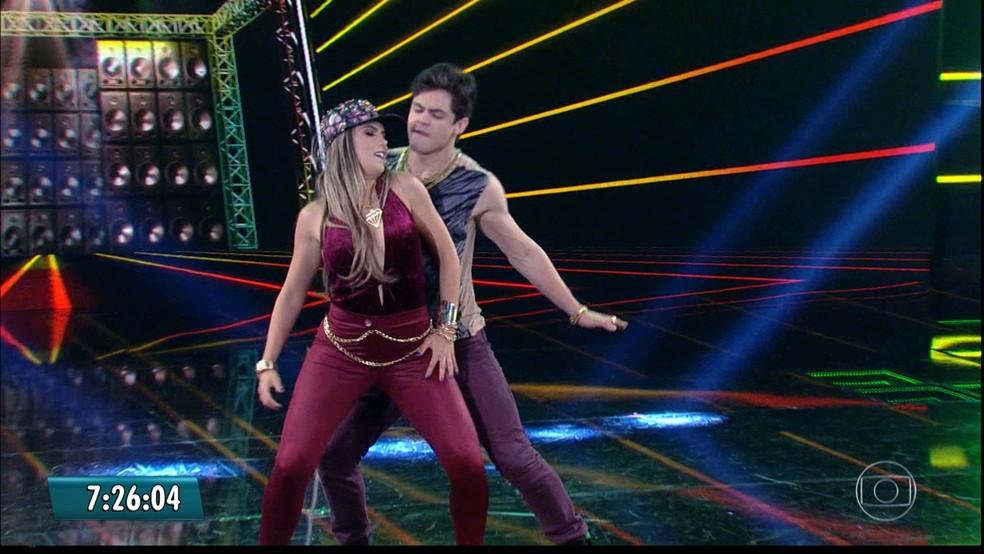 Lucas Veloso dança funk na 'Dança dos Famosos' (Foto: Reprodução/TV Globo)