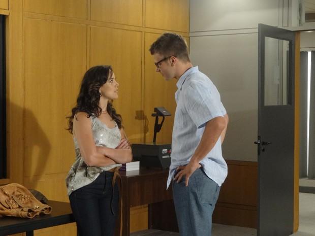 Adriana Birolli e Rodrigo Hilbert em cena de 'Fina estampa' (Foto: Reprodução)