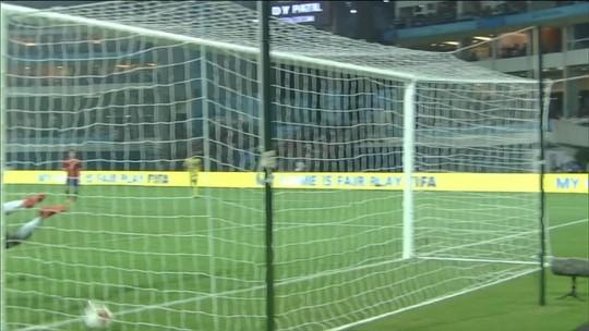 Em jogo com polêmica de arbitragem, Espanha faz 3 a 1 em Mali e vai à final