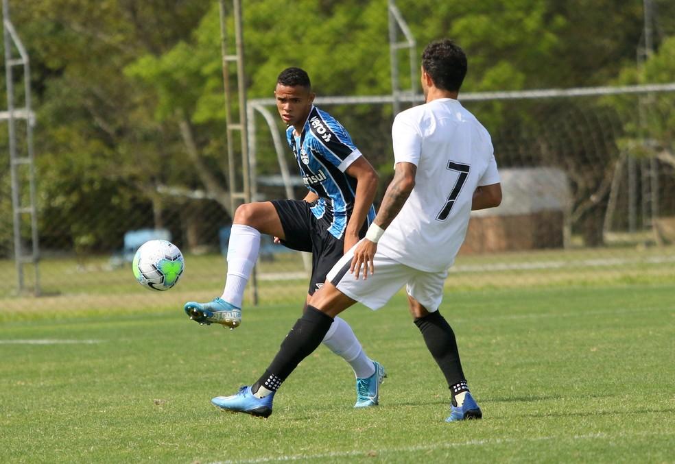 Vanderson lateral-direito Grêmio time sub-23, transição — Foto: Rodrigo Fatturi/DVG/Grêmio