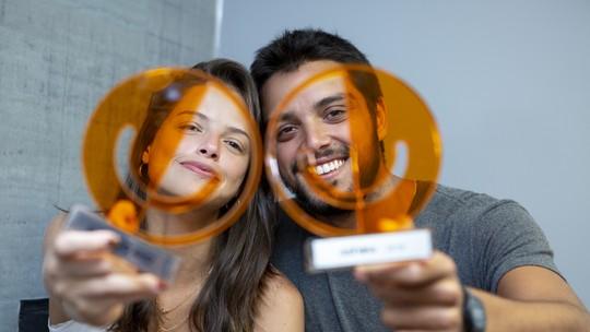 Agatha Moreira e Rodrigo Simas ganham troféu do 'Prêmio Gshow 2018'