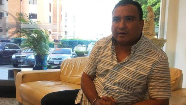 Tito Bohórquez, agrônomo equatoriano que faz doutorado na Venezuela, diz que a economia é enorme e que a qualidade da educação é alta (Foto: BBC)