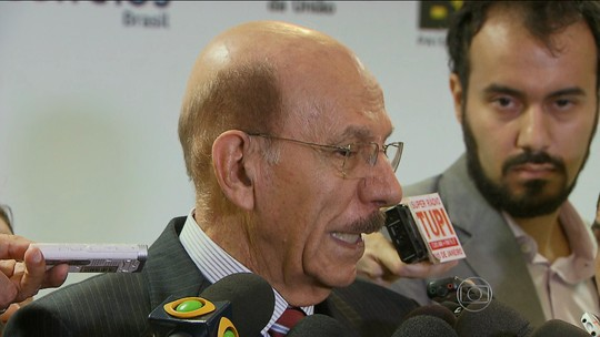 Jorge Hage, ministro que fiscaliza as contas públicas, decide deixar o cargo
