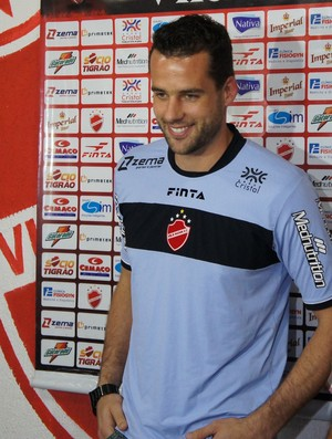 Vinícius, goleiro do Vila Nova (Foto: Daniel Mundim)