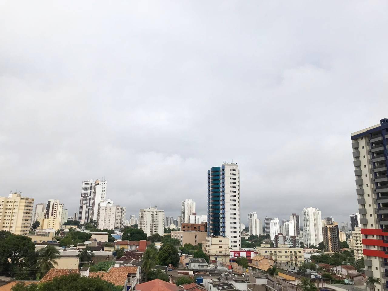 Temperatura deve passar dos 40ºC durante a semana em Cuiabá e não há previsão de chuva